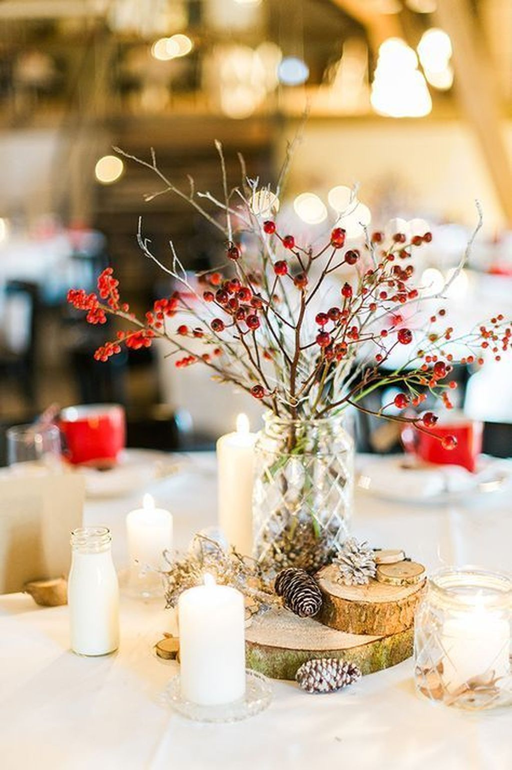 Popular Winter Table Centerpieces Ideas Best For Wedding 25