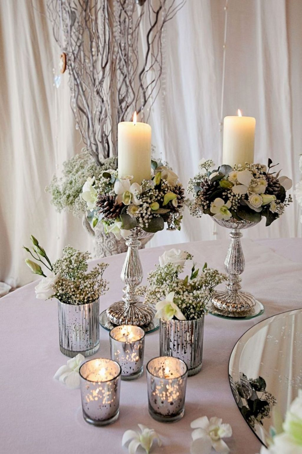Popular Winter Table Centerpieces Ideas Best For Wedding 28