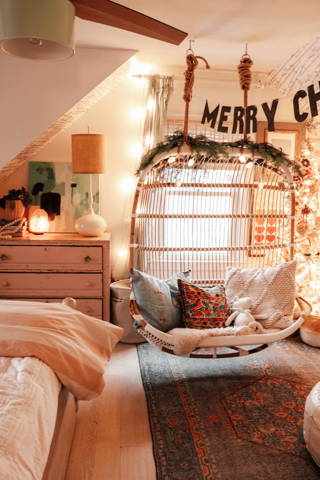 Stunning Christmas Lights Decoration Ideas In The Bedroom 29