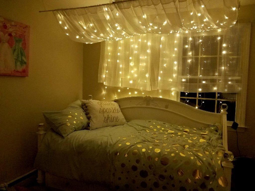 Stunning Christmas Lights Decoration Ideas In The Bedroom 30