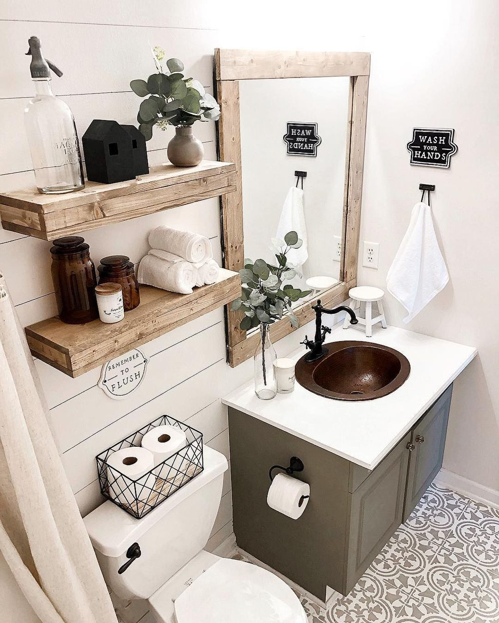 Stunning Winter Bathroom Decor Ideas 01