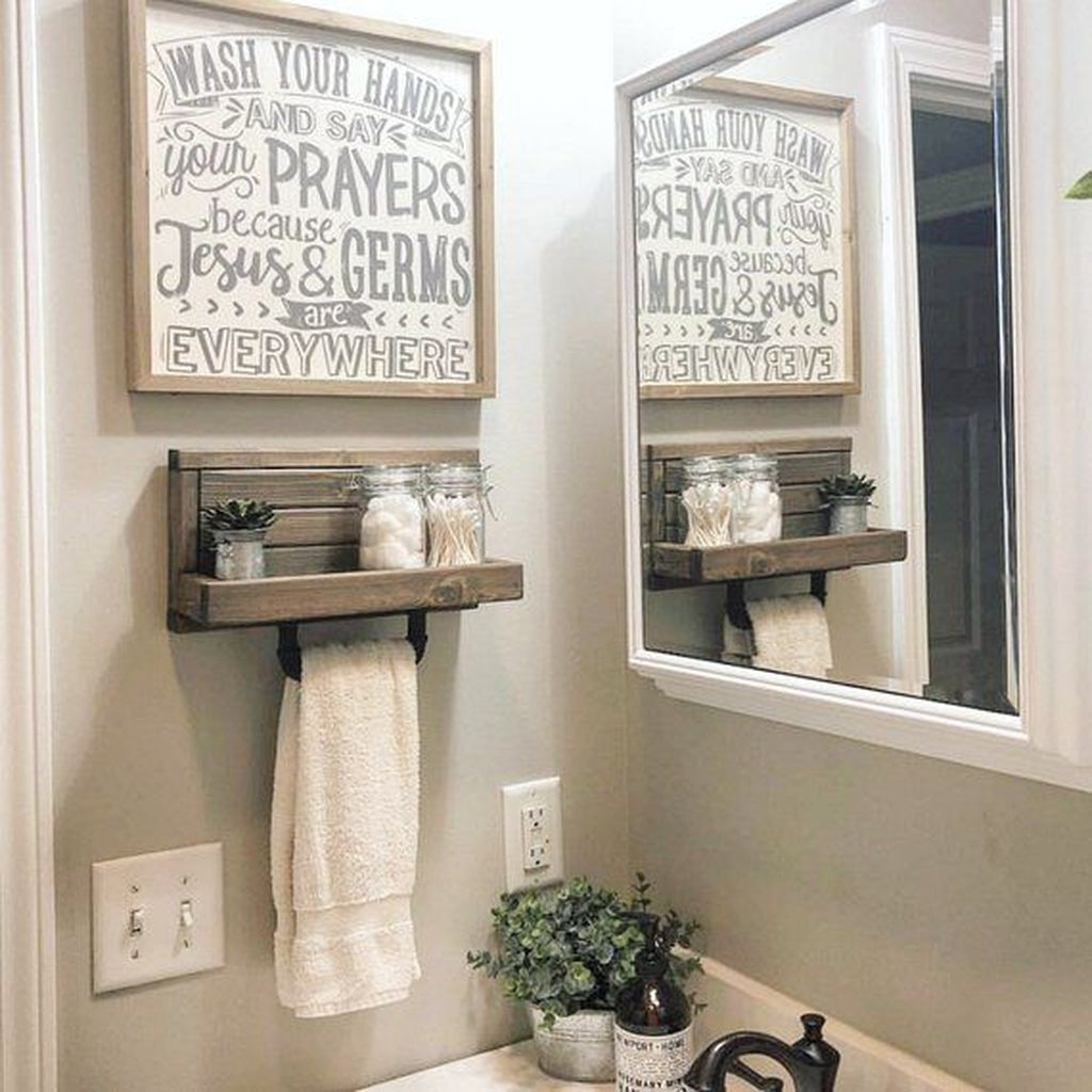 Stunning Winter Bathroom Decor Ideas 14