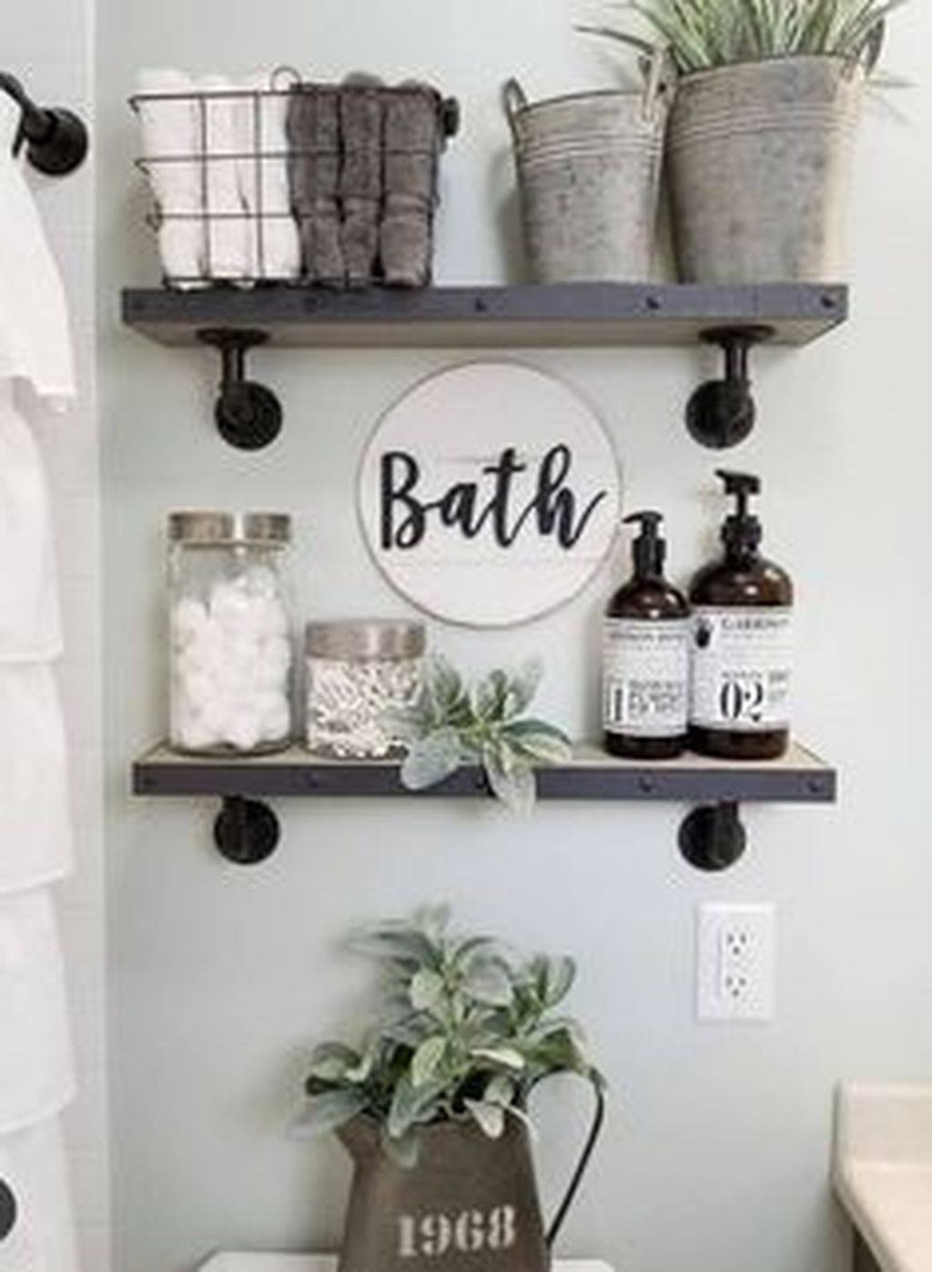 Stunning Winter Bathroom Decor Ideas 16