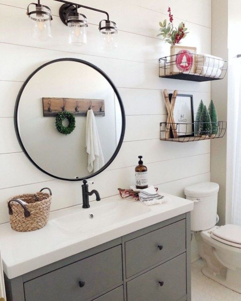 Stunning Winter Bathroom Decor Ideas 25