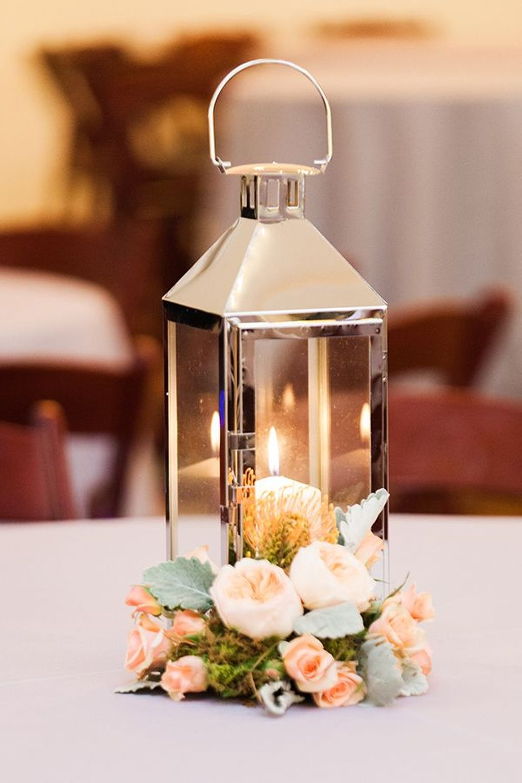 Stunning Winter Lantern Centerpieces For Wedding 14
