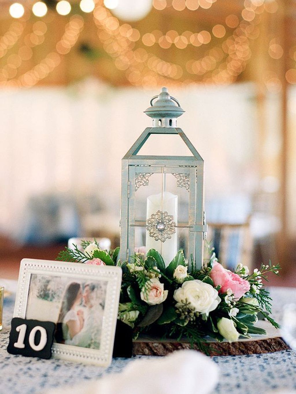 Stunning Winter Lantern Centerpieces For Wedding 28
