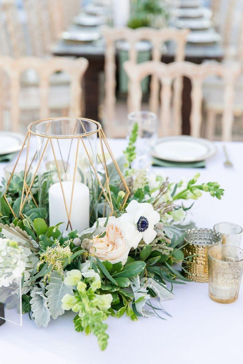 Stunning Winter Lantern Centerpieces For Wedding 33