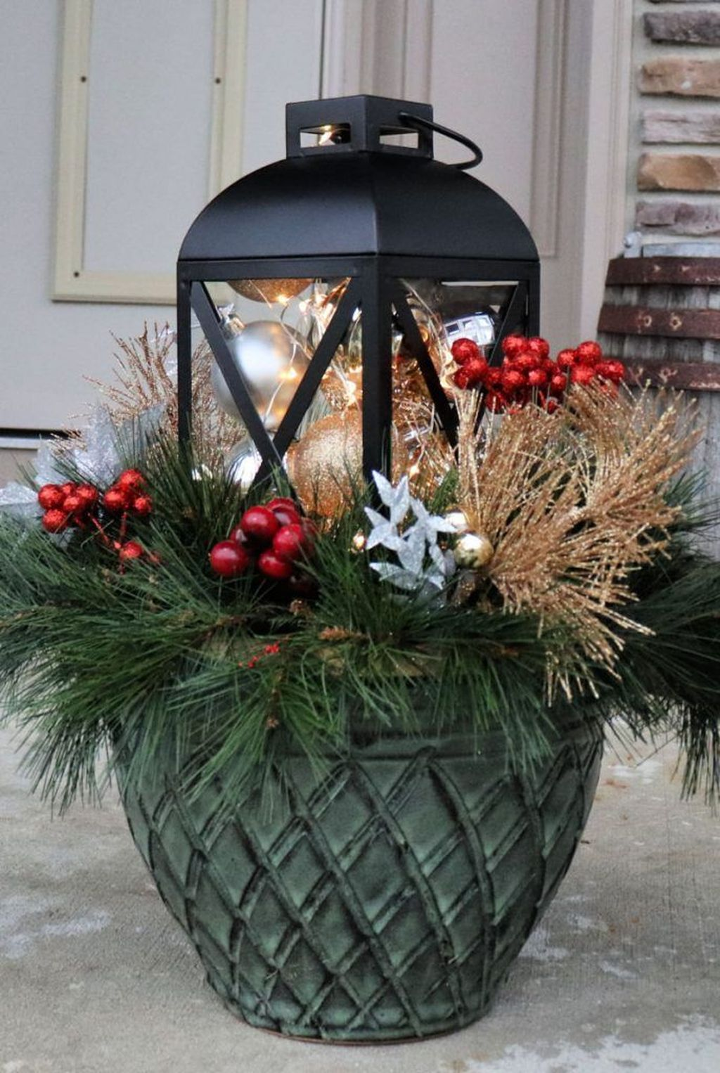 The Best Christmas Lanterns Outdoor Ideas Best For Front Porches 06