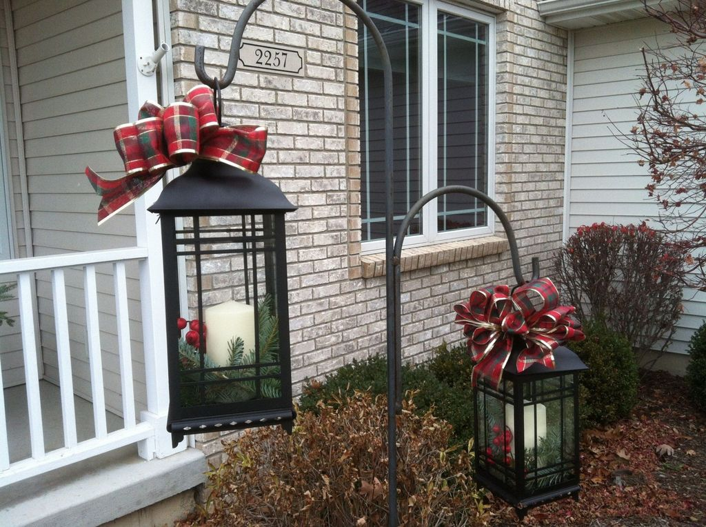 The Best Christmas Lanterns Outdoor Ideas Best For Front Porches 28