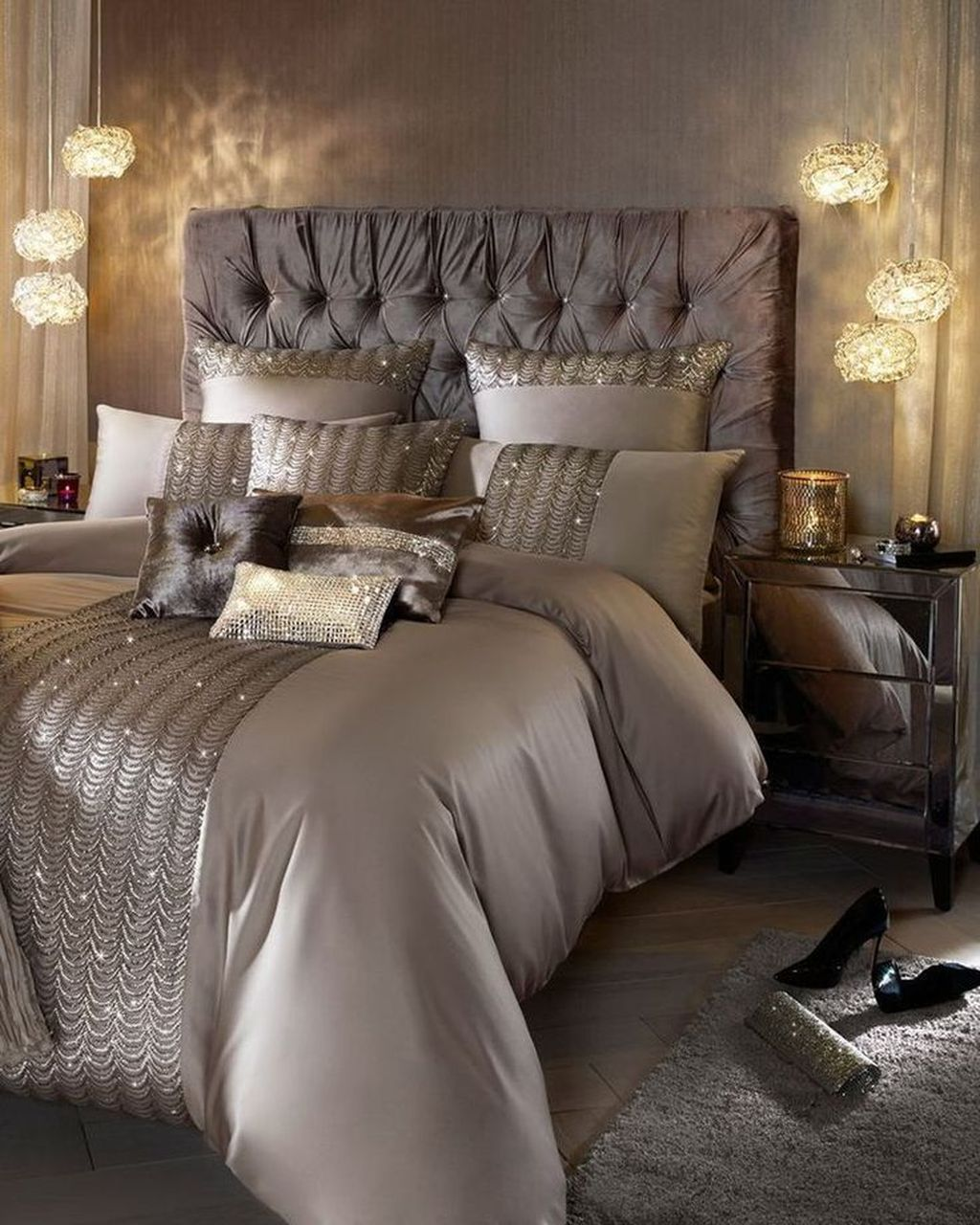 Awesome Romantic Bedroom Lighting Ideas You Will Love 07