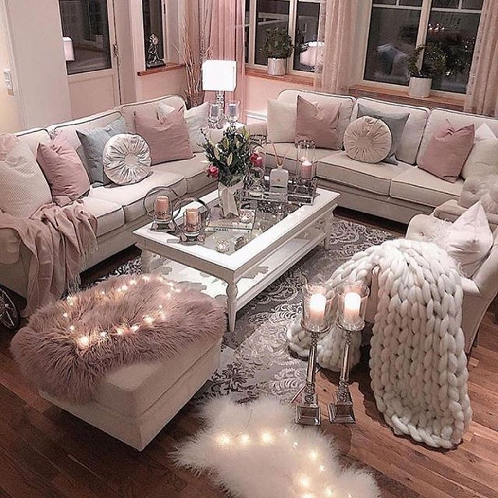 Beautiful Valentine Living Room Decor Ideas You Should Try 09