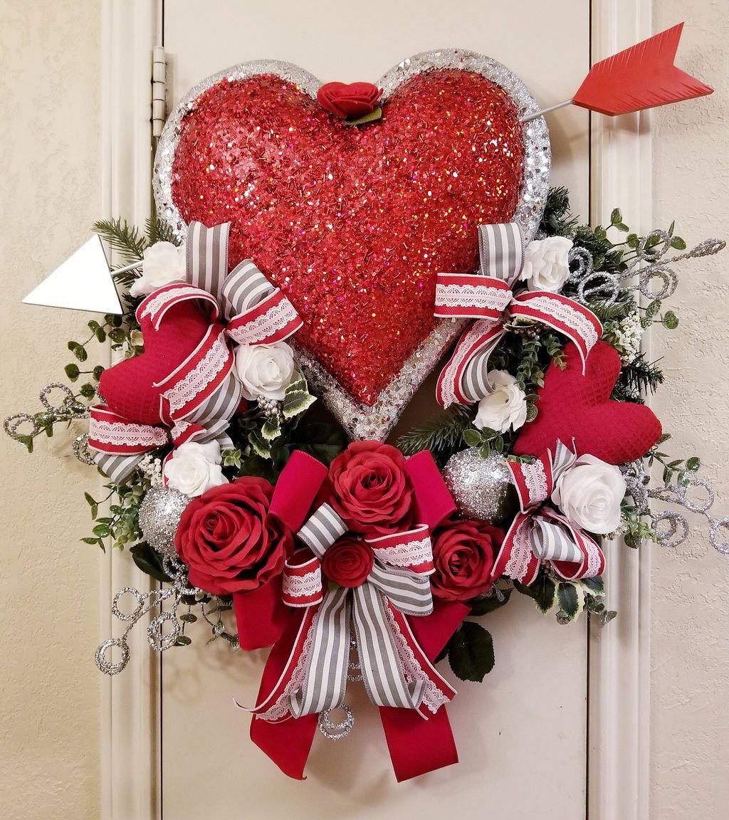 Fabulous Valentine Wreath Design Ideas FOr Your Front Door Decor 16