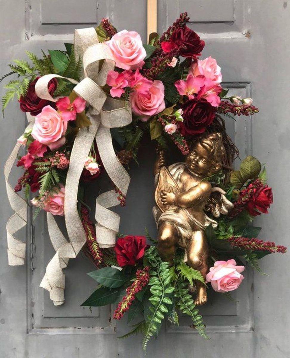 Fabulous Valentine Wreath Design Ideas FOr Your Front Door Decor 30