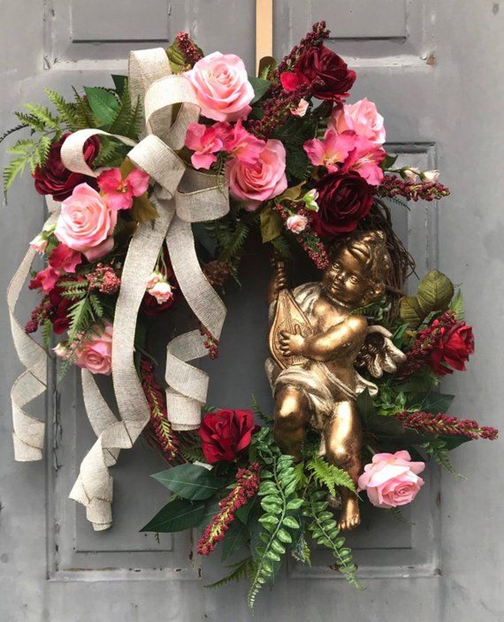 Fabulous Valentine Wreath Design Ideas FOr Your Front Door Decor 30