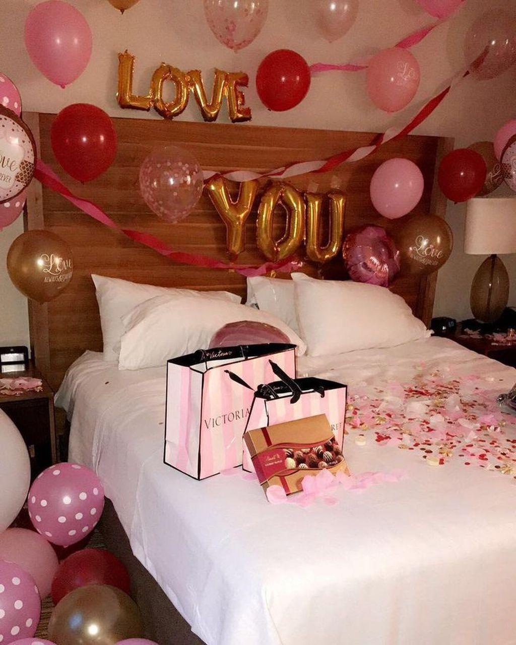 Gorgeous Romantic Valentine Bedroom Decoration Ideas 09