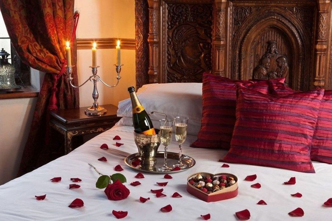 Gorgeous Romantic Valentine Bedroom Decoration Ideas 11