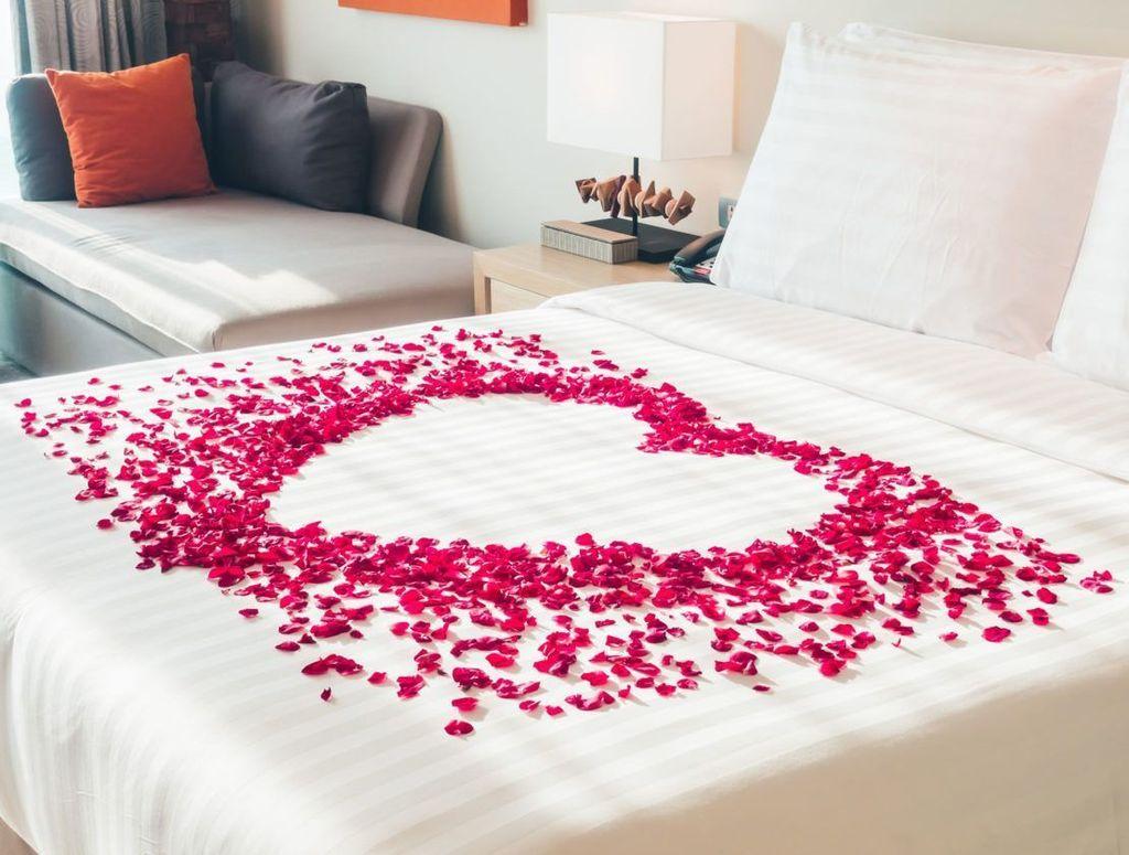 Gorgeous Romantic Valentine Bedroom Decoration Ideas 18