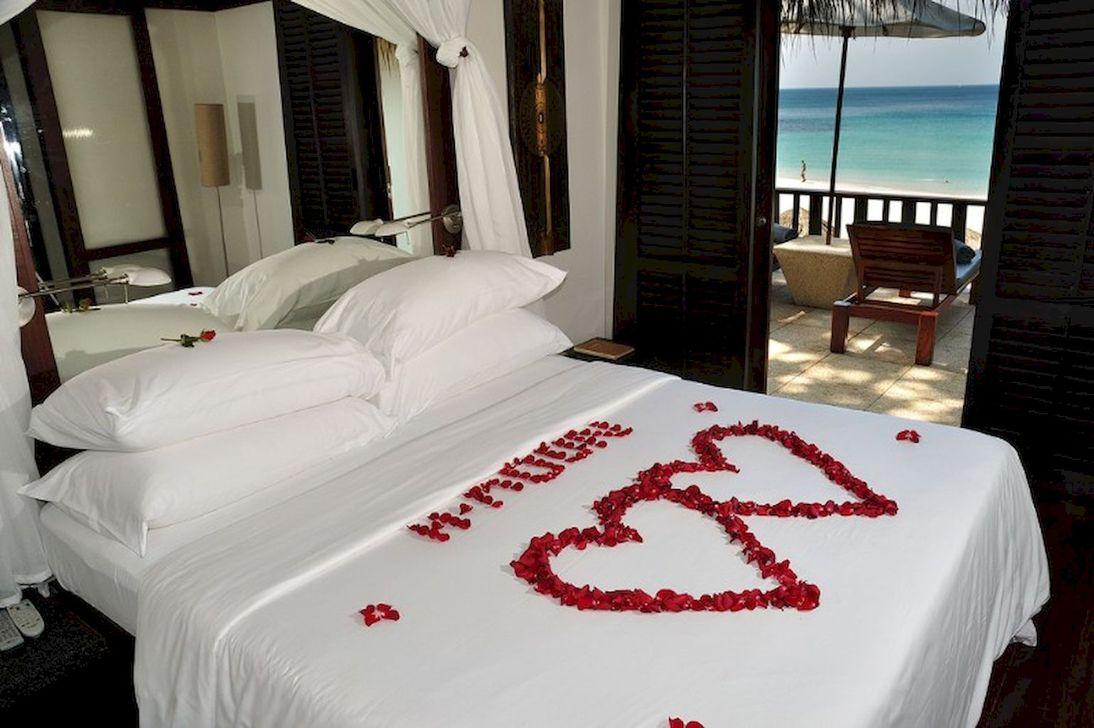 Gorgeous Romantic Valentine Bedroom Decoration Ideas 22