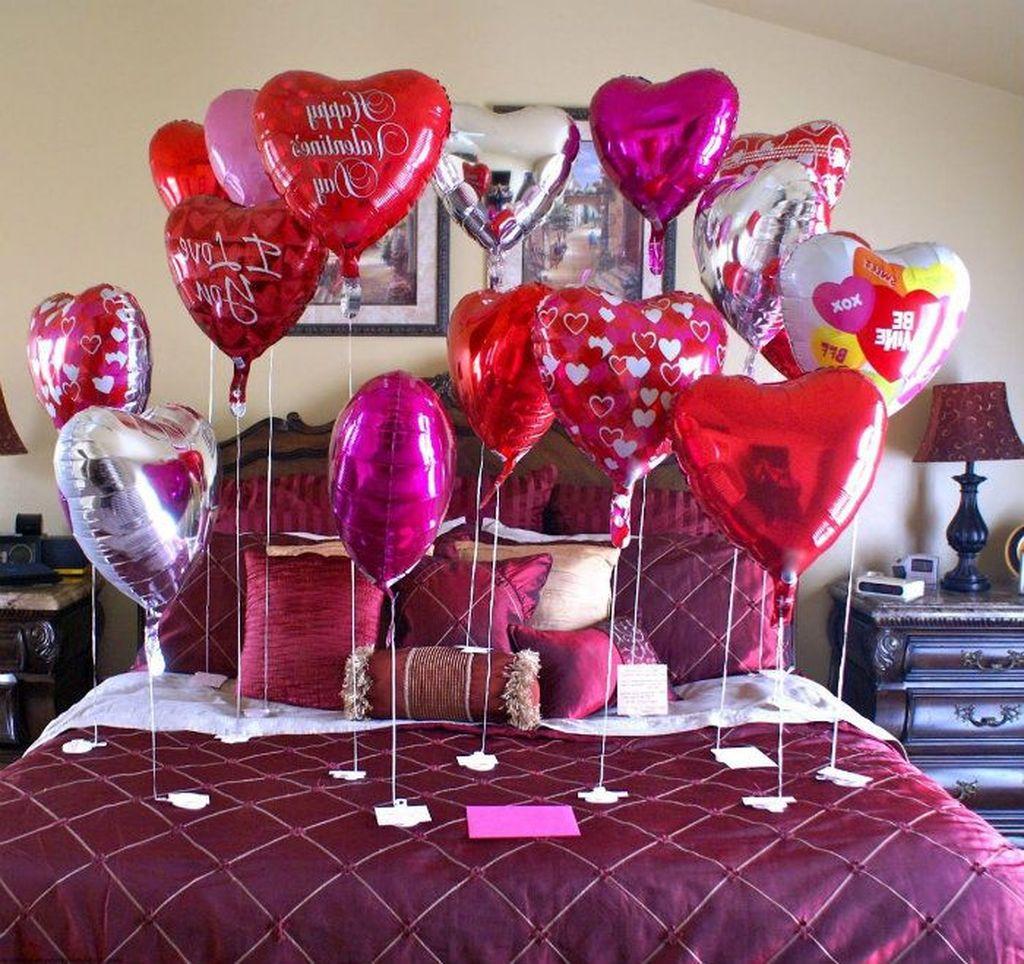 Gorgeous Romantic Valentine Bedroom Decoration Ideas 36
