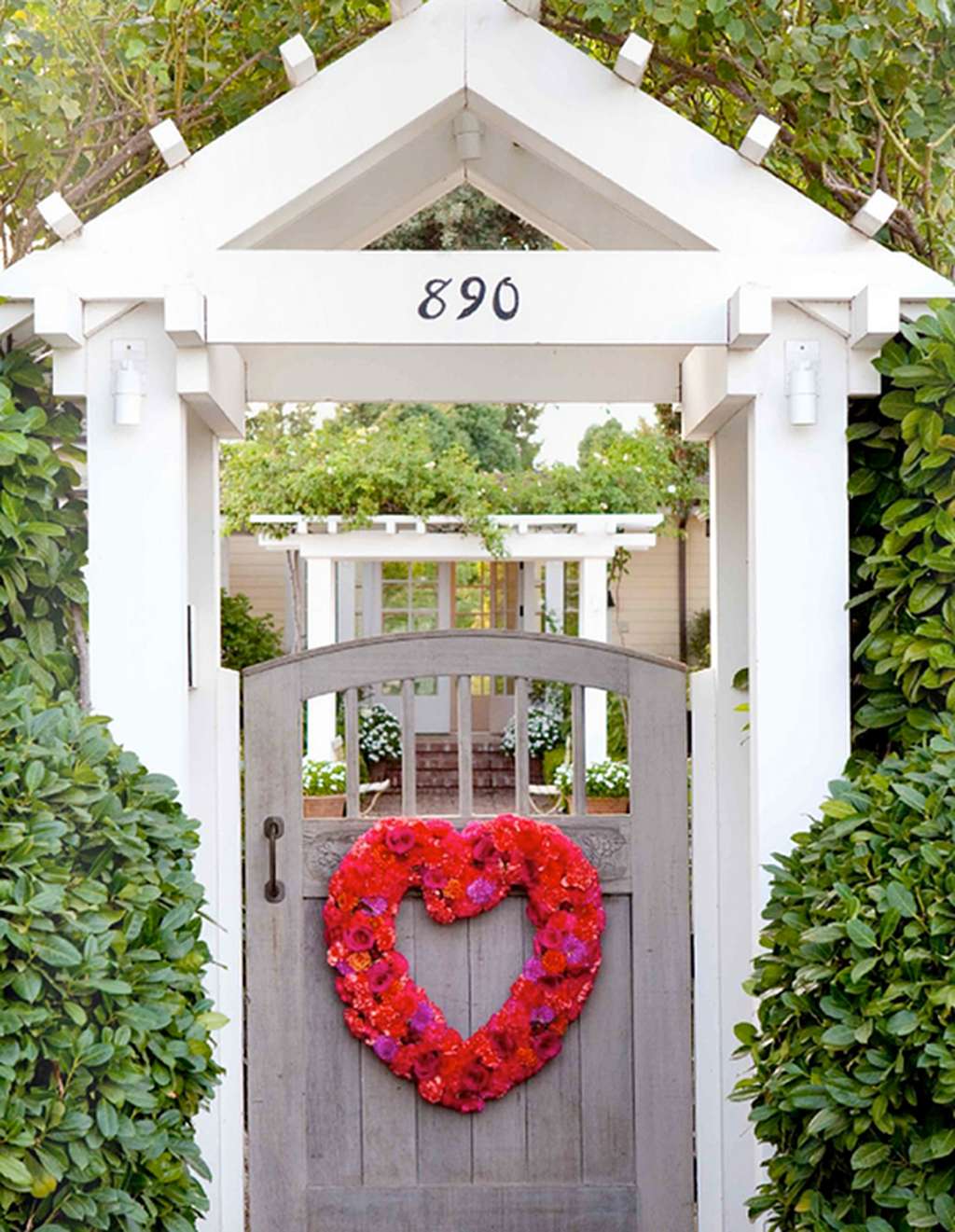 Inspiring Outdoor Valentine Decor Ideas That You Definitely Like 12