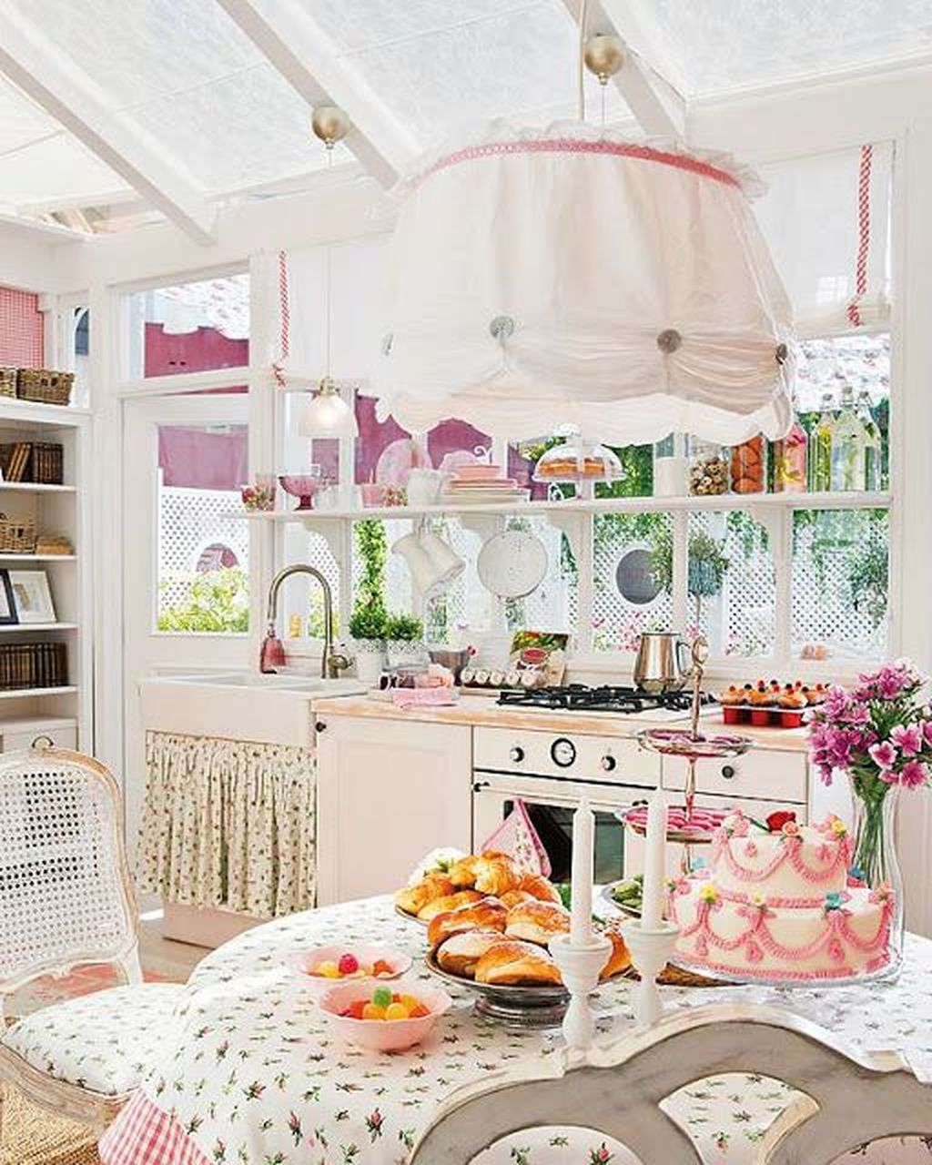 Lovely Romantic Kitchen Decorating Ideas 17