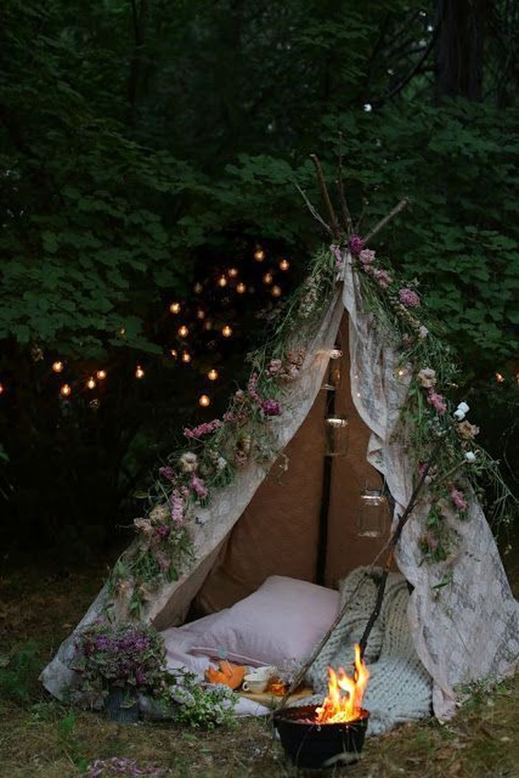 The Best Romantic Backyard Decorating Ideas 14