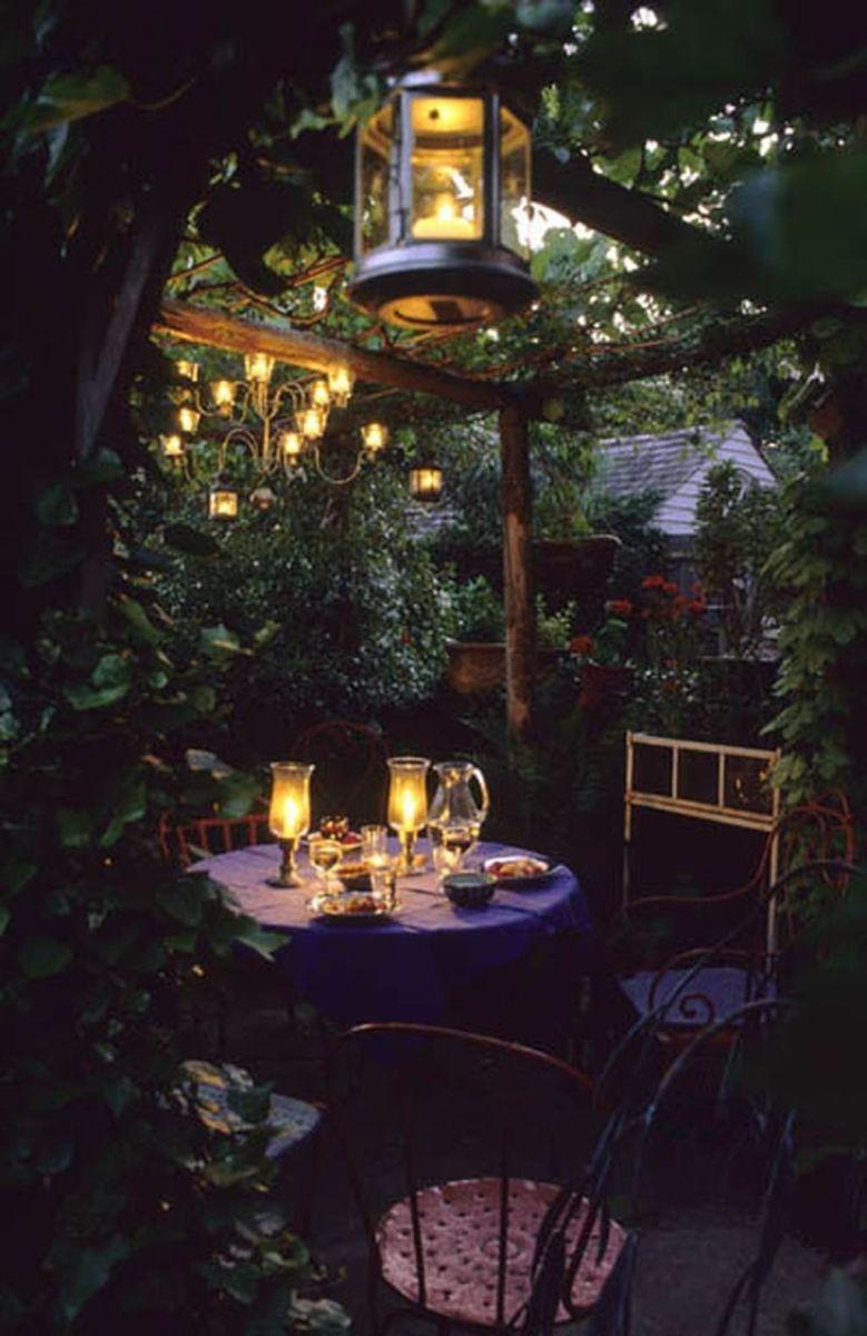The Best Romantic Backyard Decorating Ideas 34