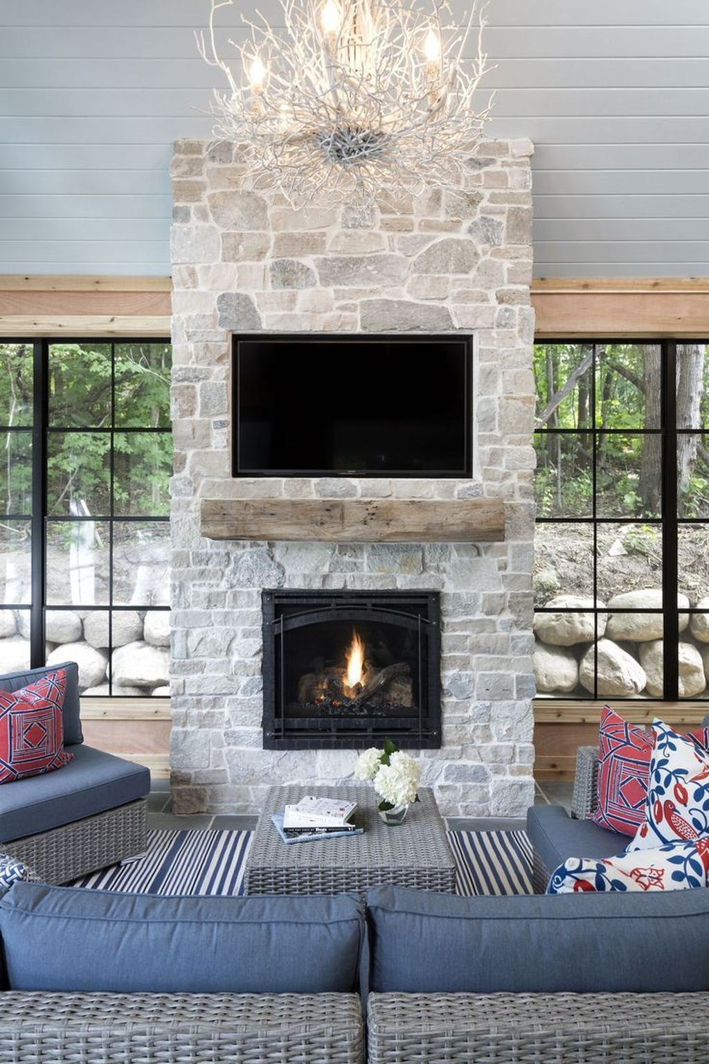Beautiful Modern Farmhouse Fireplace Ideas You Must Have 04