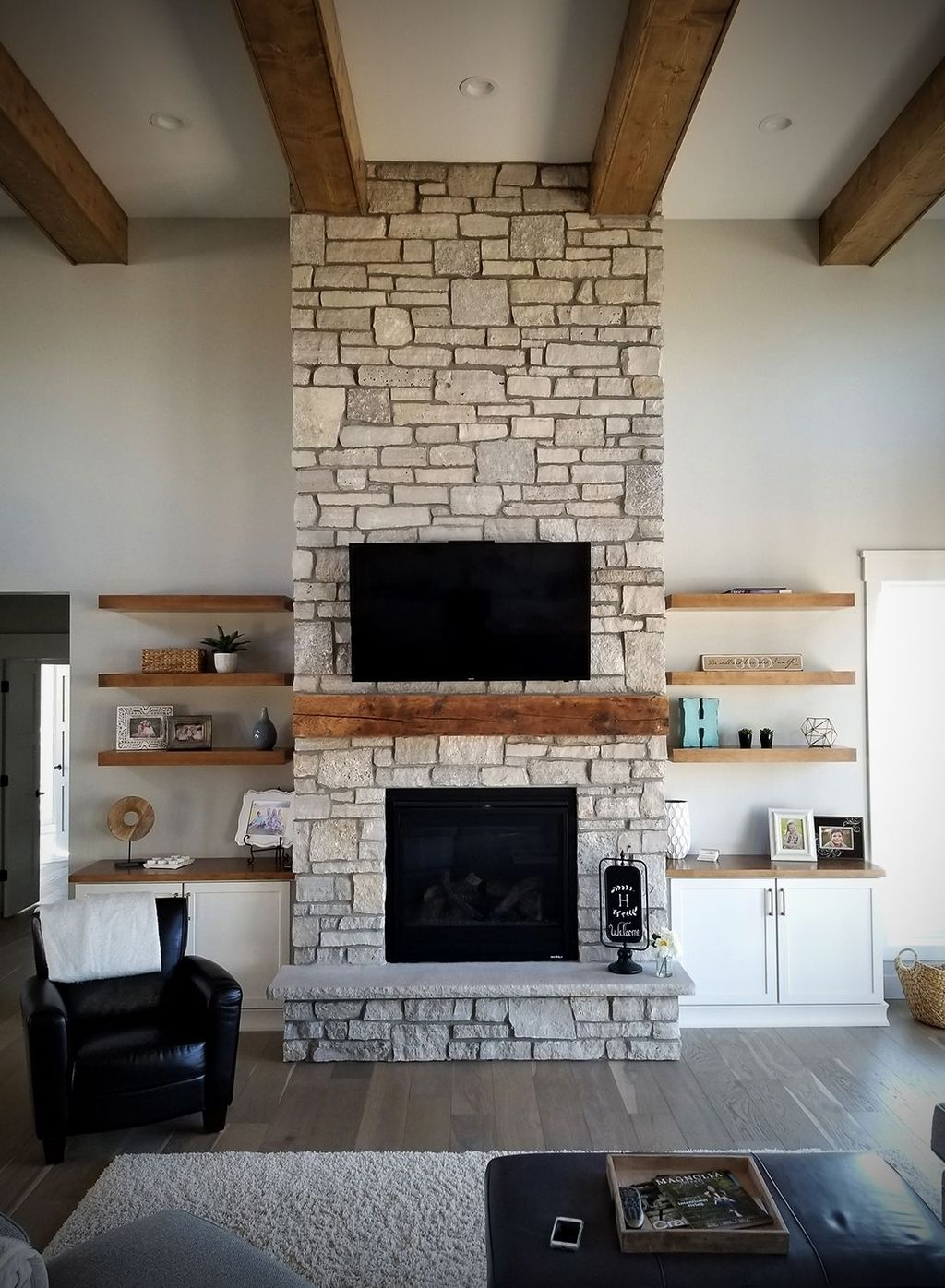 Beautiful Modern Farmhouse Fireplace Ideas You Must Have 19