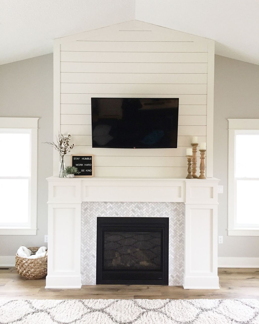 Beautiful Modern Farmhouse Fireplace Ideas You Must Have 22