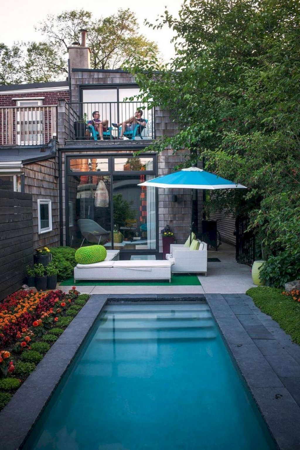 Beautiful Small Pool Backyard Landscaping Ideas Best For Spring And Summertime 07