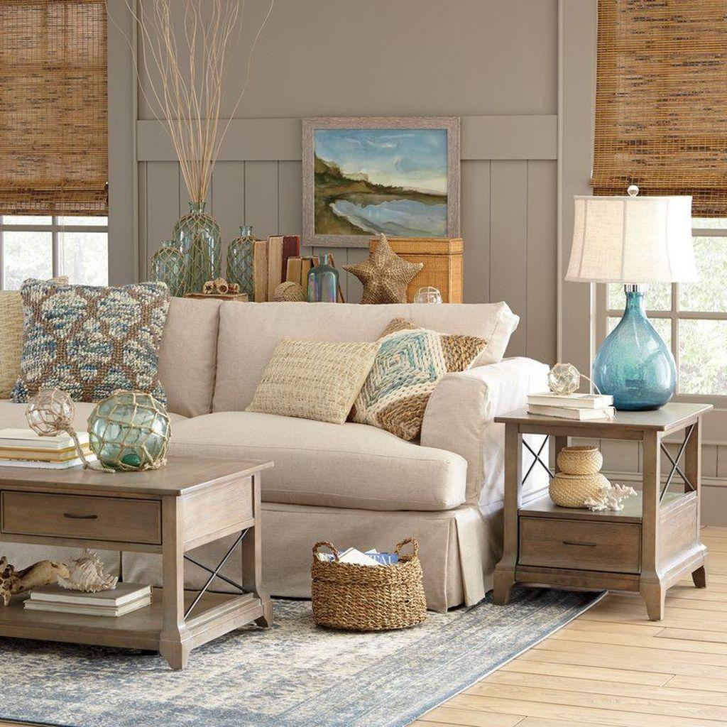 Inspiring Nautical Wall Decor Ideas For Living Room 04