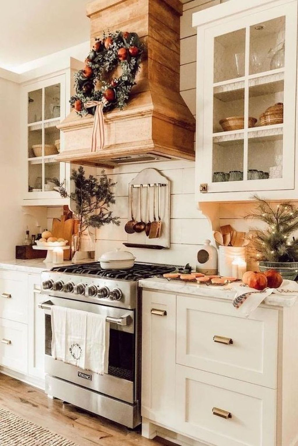 Popular Traditional Kitchen Ideas With Farmhouse Style 21
