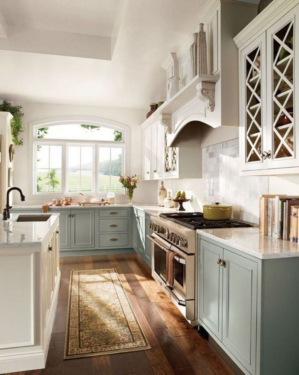 Popular Traditional Kitchen Ideas With Farmhouse Style 26
