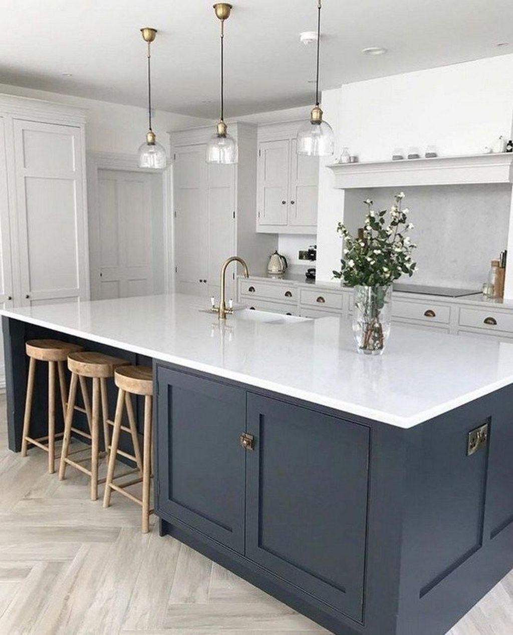 Stunning Grey And White Kitchen Color Ideas Match With Any Kitchen Design 18