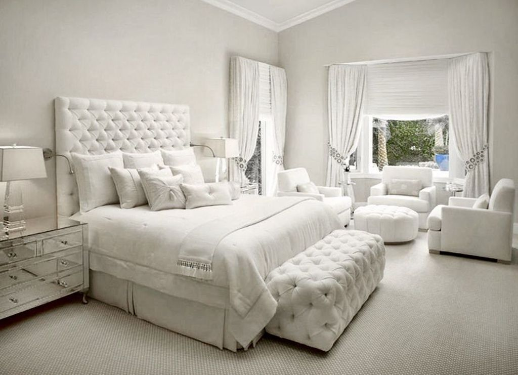 Beautiful White Master Bedroom Decorating Ideas 05