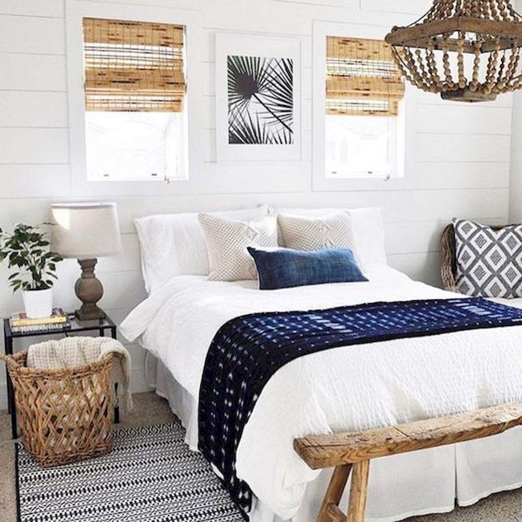 Beautiful White Master Bedroom Decorating Ideas 08