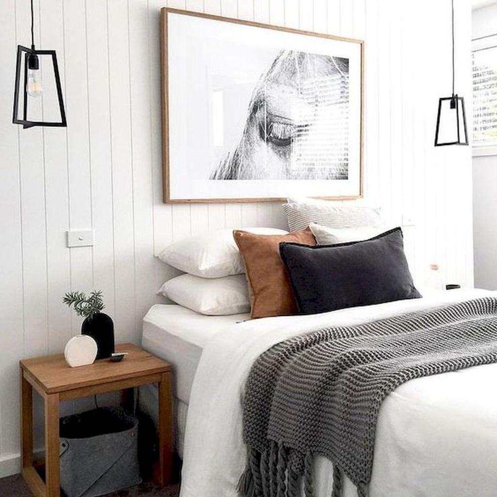 Beautiful White Master Bedroom Decorating Ideas 13