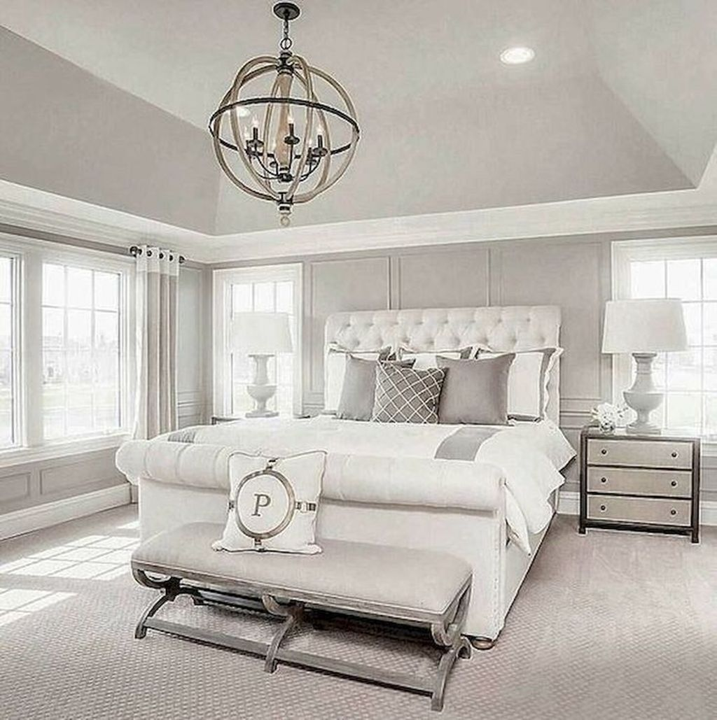Beautiful White Master Bedroom Decorating Ideas 28
