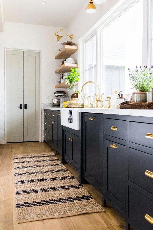 Fabulous Black And White Wood Kitchen Design Ideas 25
