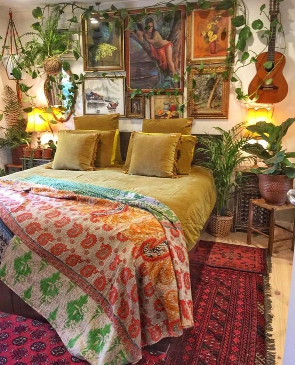 Gorgeous Bohemian Bedroom Decor Ideas You Can Try 32