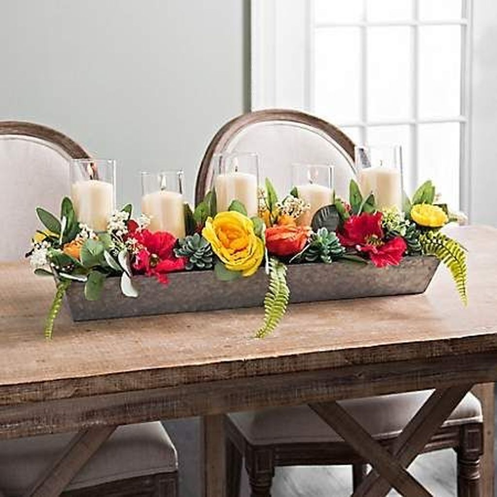 Gorgeous Spring Centerpieces Ideas For Dining Room Decor 17