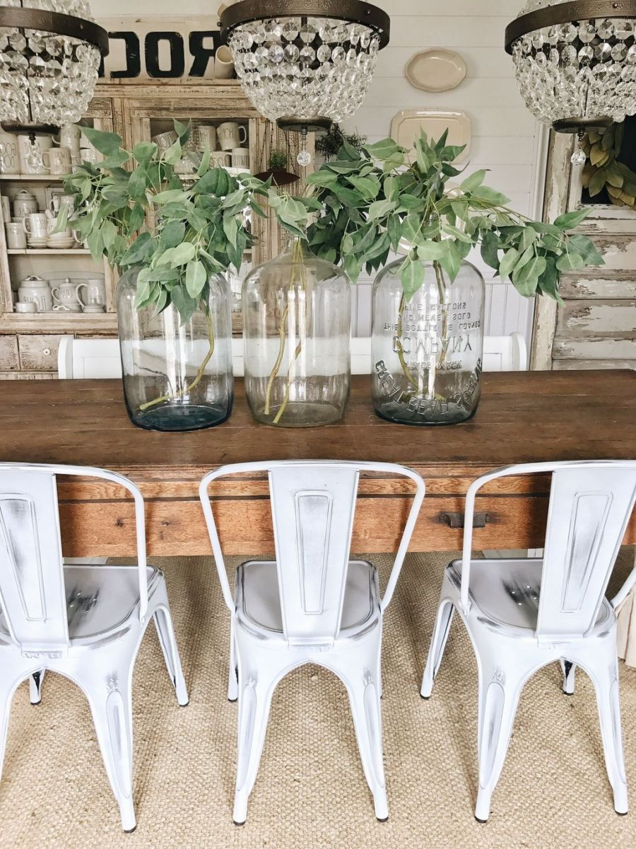 Gorgeous Spring Centerpieces Ideas For Dining Room Decor 22