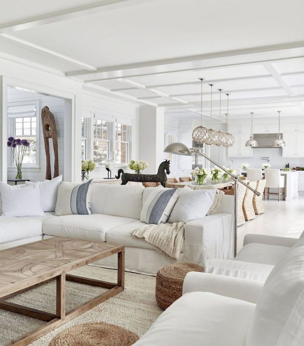 Inspiring Beachy Farmhouse Living Room Decor Ideas 08