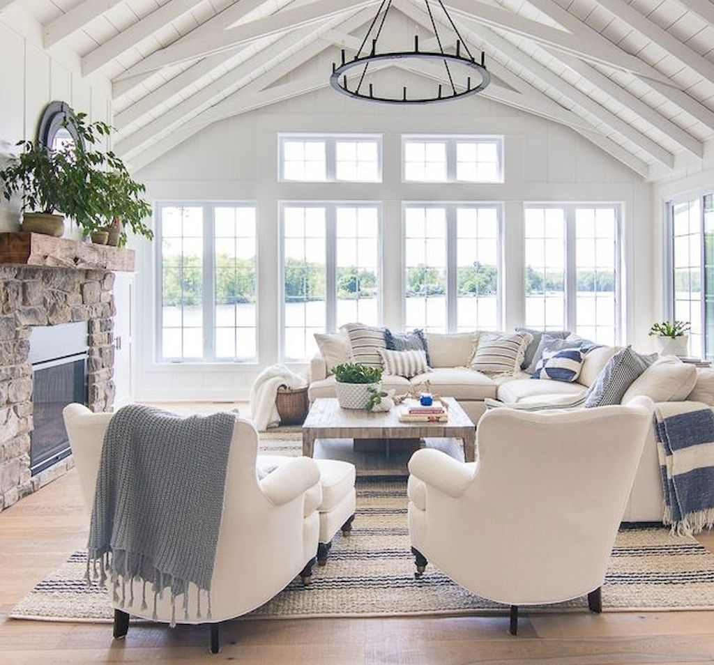 Inspiring Beachy Farmhouse Living Room Decor Ideas 22