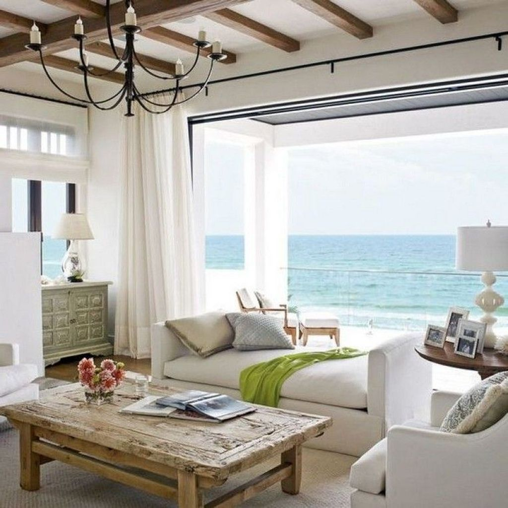 Inspiring Beachy Farmhouse Living Room Decor Ideas 23