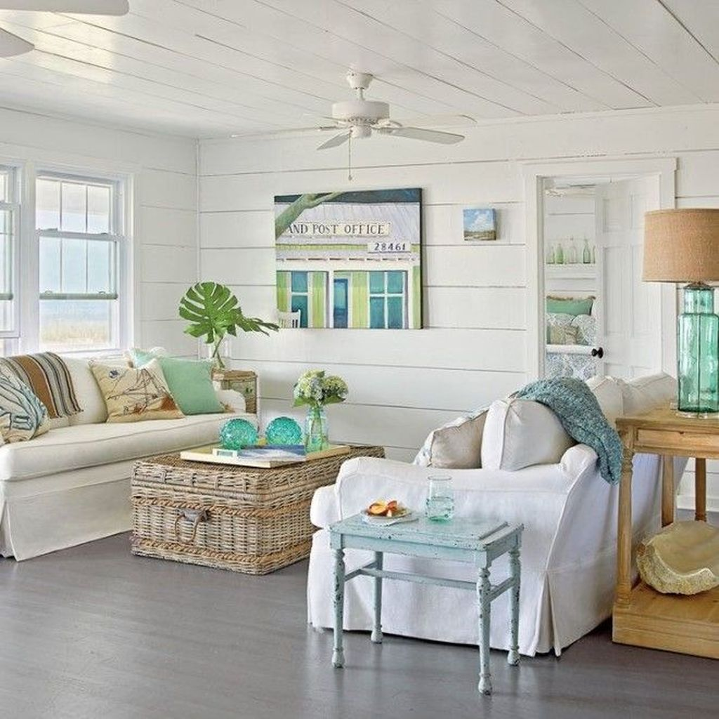 Inspiring Beachy Farmhouse Living Room Decor Ideas 29