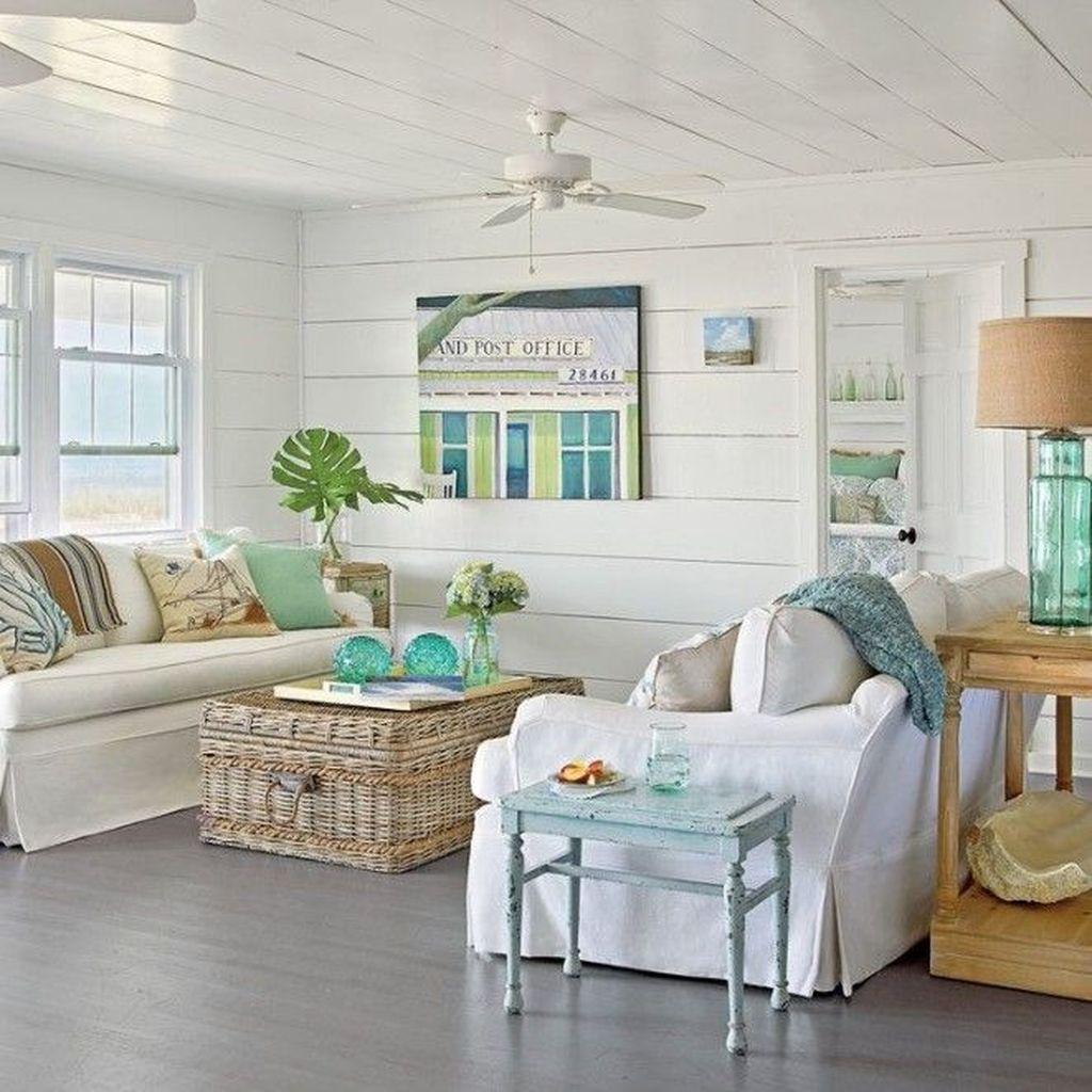 Inspiring Beachy Farmhouse Living Room Decor Ideas 29