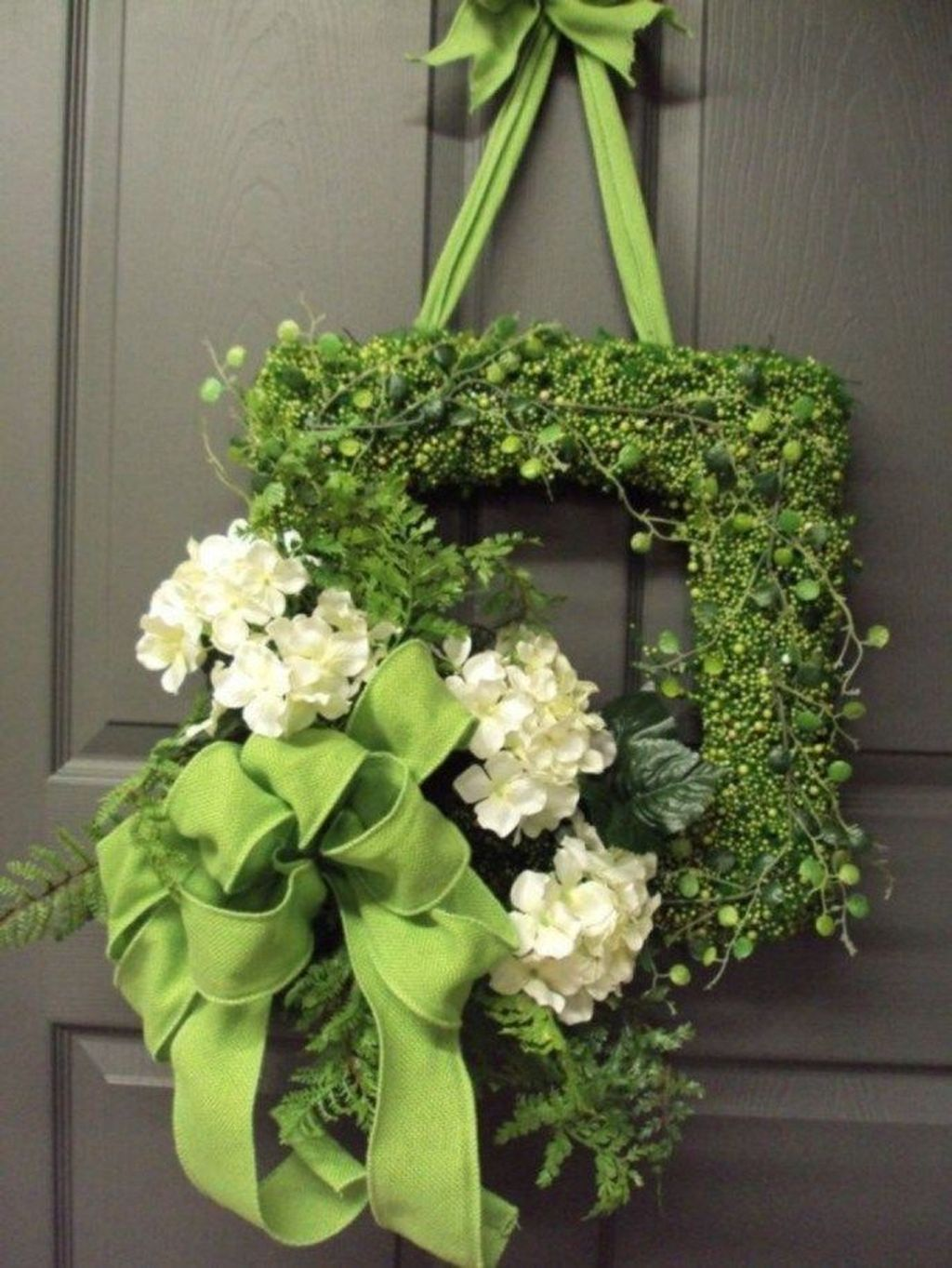 Inspiring Spring Door Wreaths For Your Home Decoration 11