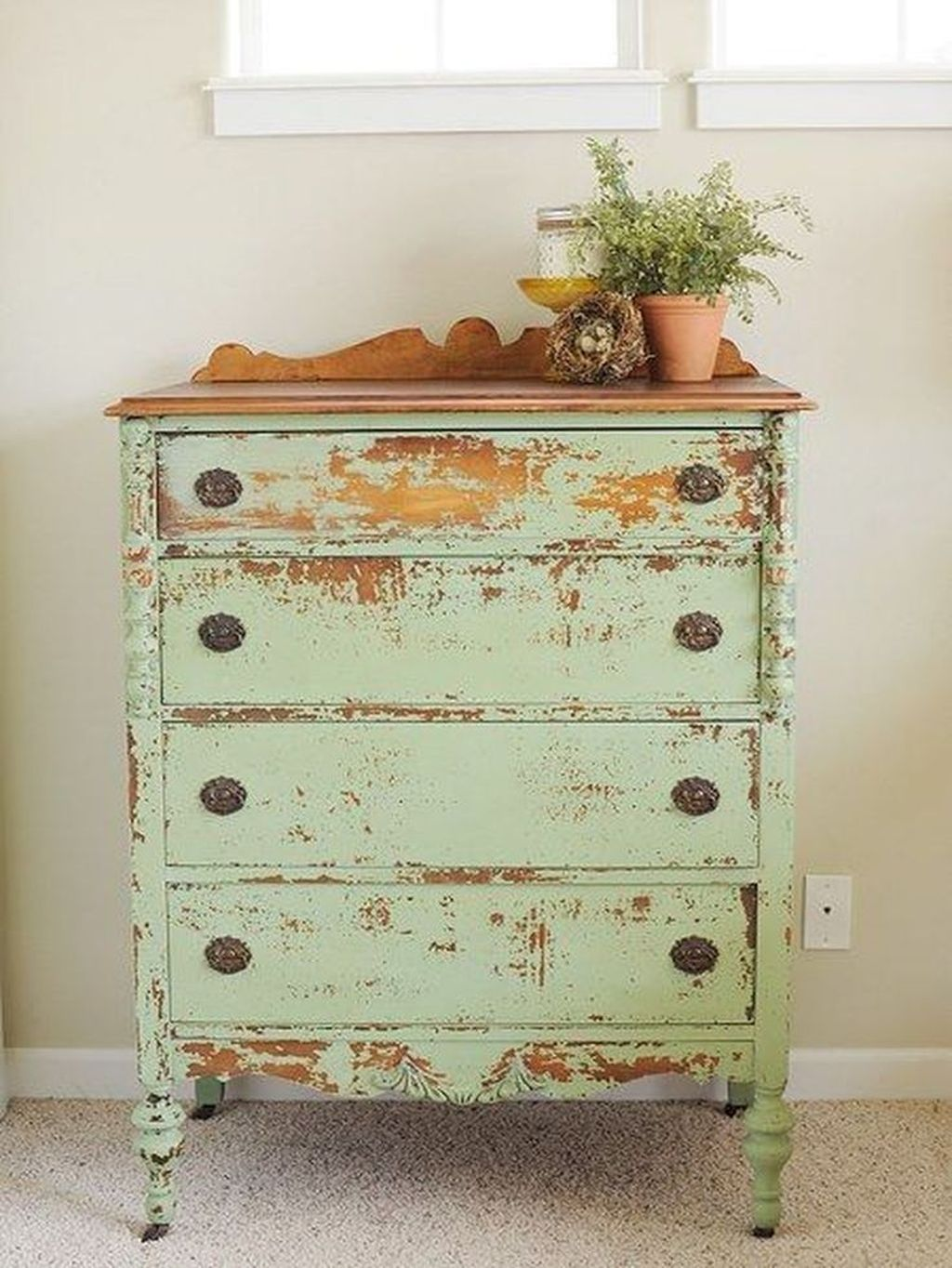Popular Distressed Furniture Ideas To Get A Vintage Accent 05